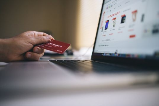 Come l'e-commerce può aiutare le piccole e medie imprese ad uscire dalla crisi